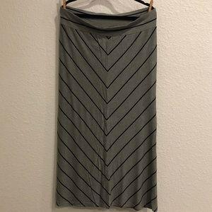 Ava & Viv chevron maxi skirt size 1X.